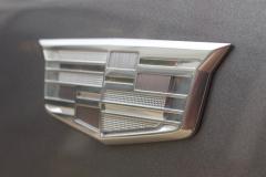 Monochromatic-Cadillac-Logo-on-front-fender-of-2020-Cadillac-XT5-Sport-400-XT6-Drive-Event-002