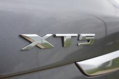 XT5-Badge-Logo-on-liftgate-of-2020-Cadillac-XT5-Sport-400-XT6-Drive-Event-001