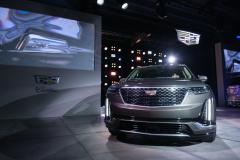 2020-Cadillac-XT6-Premium-Luxury-Debut-Reveal-002