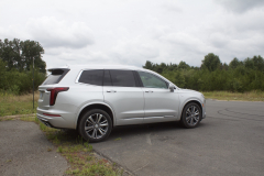 2020-Cadillac-XT6-Premium-Luxury-with-Platinum-Package-Exterior-XT6-Drive-009-rear-three-quarters