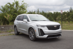 2020-Cadillac-XT6-Premium-Luxury-with-Platinum-Package-Exterior-XT6-Drive-012-front-three-quarters
