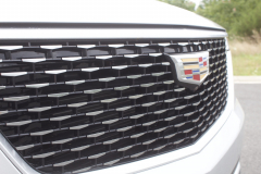 2020-Cadillac-XT6-Premium-Luxury-with-Platinum-Package-Exterior-XT6-Drive-015-grille-with-Cadillac-logo