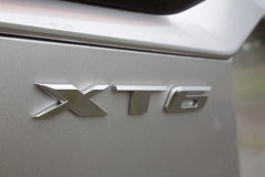 2020-Cadillac-XT6-Premium-Luxury-with-Platinum-Package-Exterior-XT6-Drive-030-XT6-badge-logo-on-liftgate