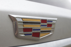 2020-Cadillac-XT6-Premium-Luxury-with-Platinum-Package-Exterior-XT6-Drive-031-Cadillac-logo-on-liftgate