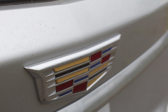 2020-Cadillac-XT6-Premium-Luxury-with-Platinum-Package-Exterior-XT6-Drive-032-Cadillac-logo-on-liftgate