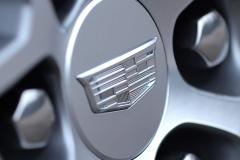 2020 Cadillac XT6 Sport Exterior 015  Cadillac crest logo on wheel