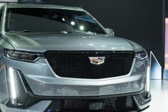 2020 Cadillac XT6 Sport - Exterior - 2019 NAIAS - Live 022 front end with Cadillac logo