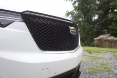 2020-Cadillac-XT6-Sport-Exterior-XT6-Drive-Winery-017-front-end-grille-Cadillac-logo