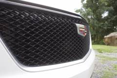 2020-Cadillac-XT6-Sport-Exterior-XT6-Drive-Winery-018-front-end-grille-Cadillac-logo