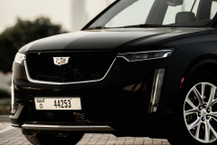 2020-Cadillac-XT6-in-Dubai-Exterior-Stellar-Black-Metallic-004-front-end