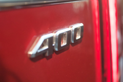 400-Badge-Logo-on-2020-Cadillac-XT6-Sport-in-Red-Horizon-Tintcoat-2020-XT6-First-Drive-Lobby-001