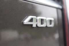 400-Logo-Badge-on-Liftgate-of-2020-Cadillac-XT6-001-XT6-Drive