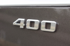 400-Logo-Badge-on-Liftgate-of-2020-Cadillac-XT6-004-XT6-Drive