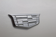 Cadillac-Logo-on-Fender-of-2020-Cadillac-XT6-001-XT6-Drive