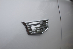 Cadillac-Logo-on-Fender-of-2020-Cadillac-XT6-002-XT6-Drive