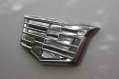 Cadillac-Logo-on-Fender-of-2020-Cadillac-XT6-009-XT6-Drive
