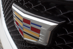 Cadillac-Logo-on-Grille-of-2020-Cadillac-XT6-002-XT6-Drive