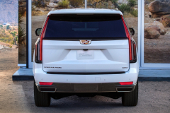 1_2021-Cadillac-Escalade-Sport-Exterior-011-rear-end