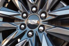 1_2021-Cadillac-Escalade-Sport-Exterior-018-Cadillac-logo-on-wheel-center-cap