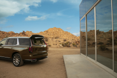 2021-Cadillac-Escalade-Premium-Luxury-Exterior-026-liftgate-glass-open