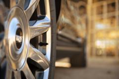 2021-Cadillac-Escalade-Premium-Luxury-Exterior-040-wheel-with-Cadillac-logo-script-on-spoke