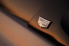 2021-Cadillac-Escalade-Premium-Luxury-Exterior-044-Cadillac-logo