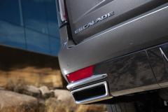 2021-Cadillac-Escalade-Premium-Luxury-Exterior-050-Escalade-badge-logo-on-liftgate