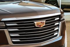 2021-Cadillac-Escalade-Premium-Luxury-Exterior-052-grille-with-Cadillac-logo