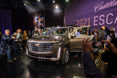 2021-Cadillac-Escalade-Premium-Luxury-Reveal-Press-Photos-February-2020-Exterior-003