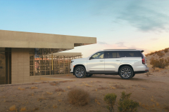 2021-Cadillac-Escalade-Sport-Exterior-006-side-profile