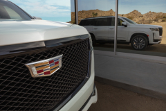 2021-Cadillac-Escalade-Sport-Exterior-012-grille-with-Cadillac-logo