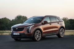 2021-Cadillac-XT4-Sport-Europe-Exterior-001-front-three-quarters