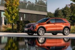2021-Cadillac-XT4-Sport-Europe-Exterior-028-front-three-quarters