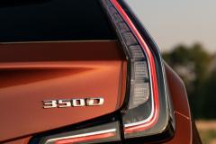 2021-Cadillac-XT4-Sport-Europe-Exterior-033-350D-badge-logo