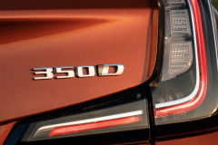 2021-Cadillac-XT4-Sport-Europe-Exterior-034-350D-badge-logo