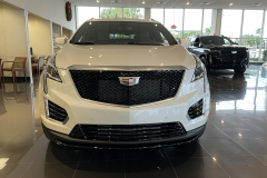 2021-Cadillac-XT5-Sport-400-with-20-inch-S2K-wheels-in-Gloss-Black-Exterior-001-front-end-grille-Cadillac-logo
