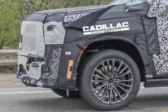 2023-Cadillac-Escalade-V-ESV-Prototype-Spy-Shots-May-2021-009