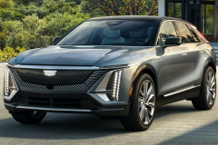 2023-Cadillac-Lyriq-Exterior-003-Front-Three-Quarters
