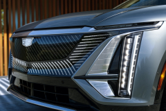 2023-Cadillac-Lyriq-Exterior-029-front-end-grille-lights-illuminated-Cadillac-emblem