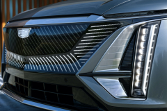 2023-Cadillac-Lyriq-Exterior-030-front-end-grille-lights-illuminated-Cadillac-emblem