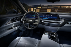 2023-Cadillac-Lyriq-Interior-004-cockpit-Sky-Cool-Gray-with-Galvano-Accents