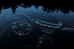 2023-Cadillac-Lyriq-Interior-009-cockpit-Sky-Cool-Gray-with-Galvano-Accents-glass-roof-overhead