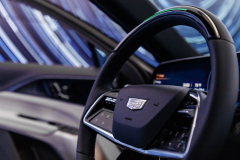 2023-Cadillac-Lyriq-Interior-016-Steering-Wheel-Cadillac-Logo-Super-Cruise-Status-Bar