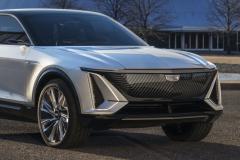 2023-Cadillac-Lyriq-Show-Car-Exterior-004-front-end-grille-Cadillac-logo