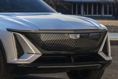 2023-Cadillac-Lyriq-Show-Car-Exterior-005-front-end-grille-Cadillac-logo