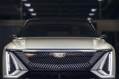 2023-Cadillac-Lyriq-Show-Car-Exterior-007-front-end-grille-Cadillac-logo