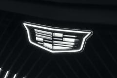 2023-Cadillac-Lyriq-Show-Car-Exterior-017-light-up-Cadillac-logo