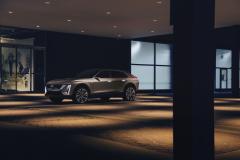 2023-Cadillac-Lyriq-Show-Car-Exterior-028-front-three-quarters