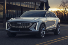 2023-Cadillac-Lyriq-Show-Car-Exterior-041-front-three-quarters