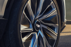 2023-Cadillac-Lyriq-Show-Car-Exterior-051-wheel-with-Cadillac-logo-on-wheel-cap